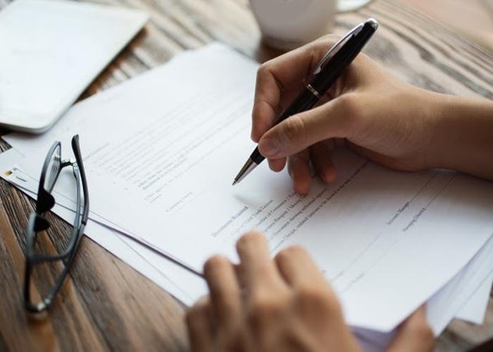 Bản thể hiện của hóa đơn điện tử có cần đóng dấu không ?
